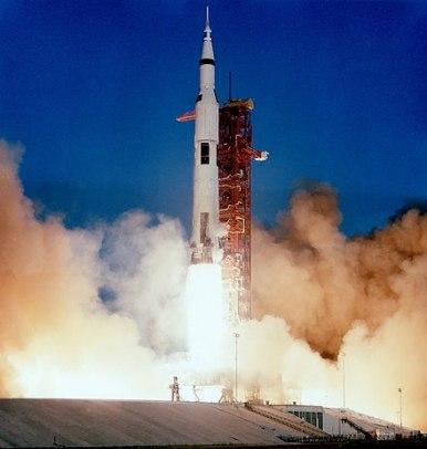 440px-Apollo_8_liftoff