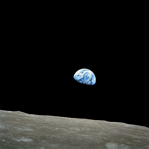 520px-NASA-Apollo8-Dec24-Earthrise